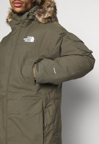 The North Face - RECYCLED MCMURDO UTILITY - Down coat - new taupe green - 9