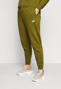 Nike Sportswear - PANT - Tracksuit bottoms - olive - 0