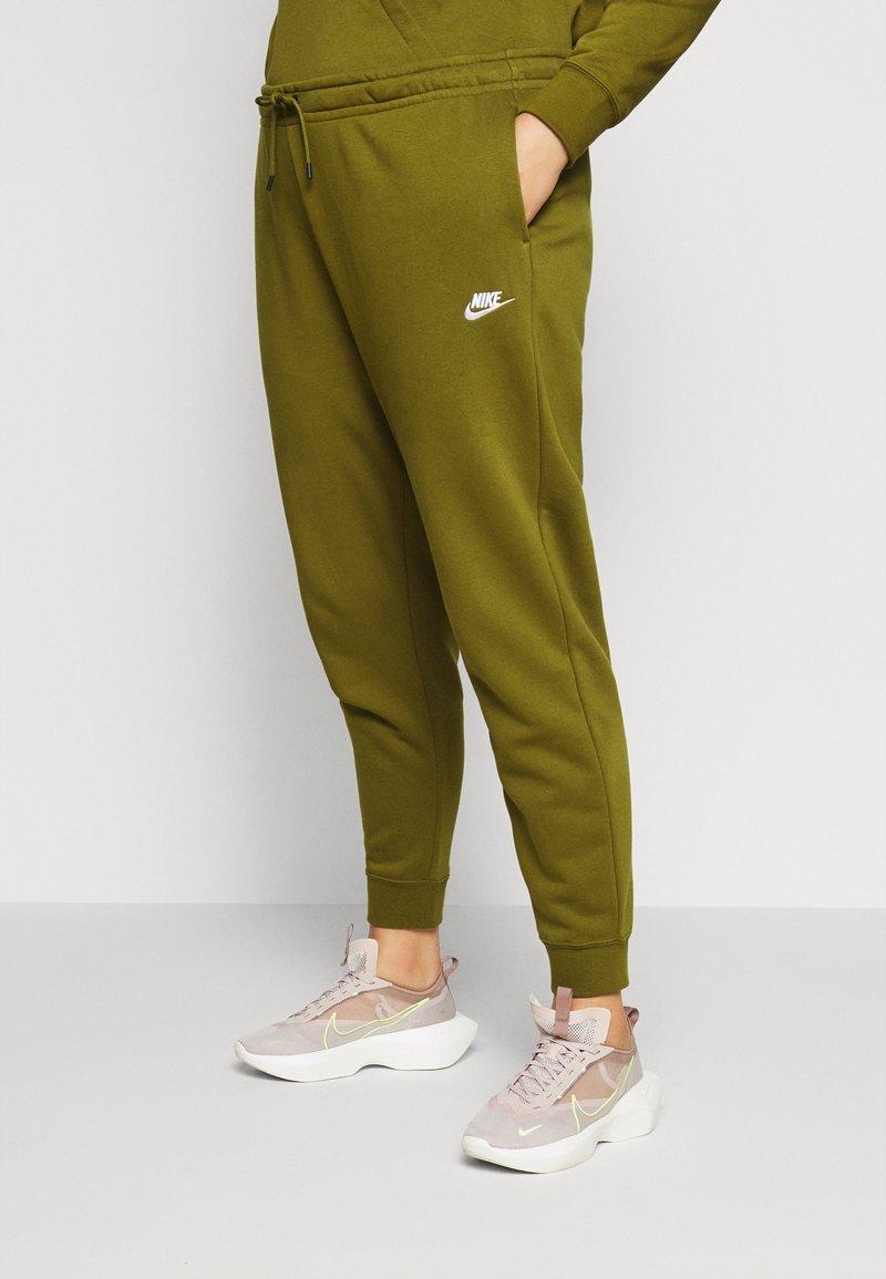 Nike Sportswear - PANT - Tracksuit bottoms - olive
