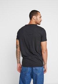 Replay - T-shirt basic - black - 2