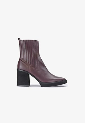LAURA - Classic ankle boots - rojo