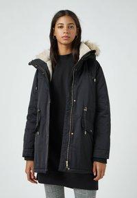 PULL&BEAR - Zimní kabát - black - 0