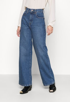 ONLHOPE LIFE - Jeansy Bootcut - medium blue denim