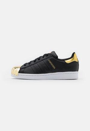 SUPERSTAR  - Sneakers - core black/footwear white/gold metallic