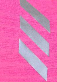adidas Performance - ADI RUNNER - Funkční triko - scream pink - 6
