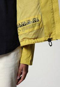 Napapijri - A-CIRCULAR - Light jacket - yellow moss - 7