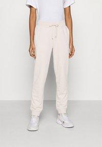 adidas Originals - Teplákové kalhoty - desert dust - 0