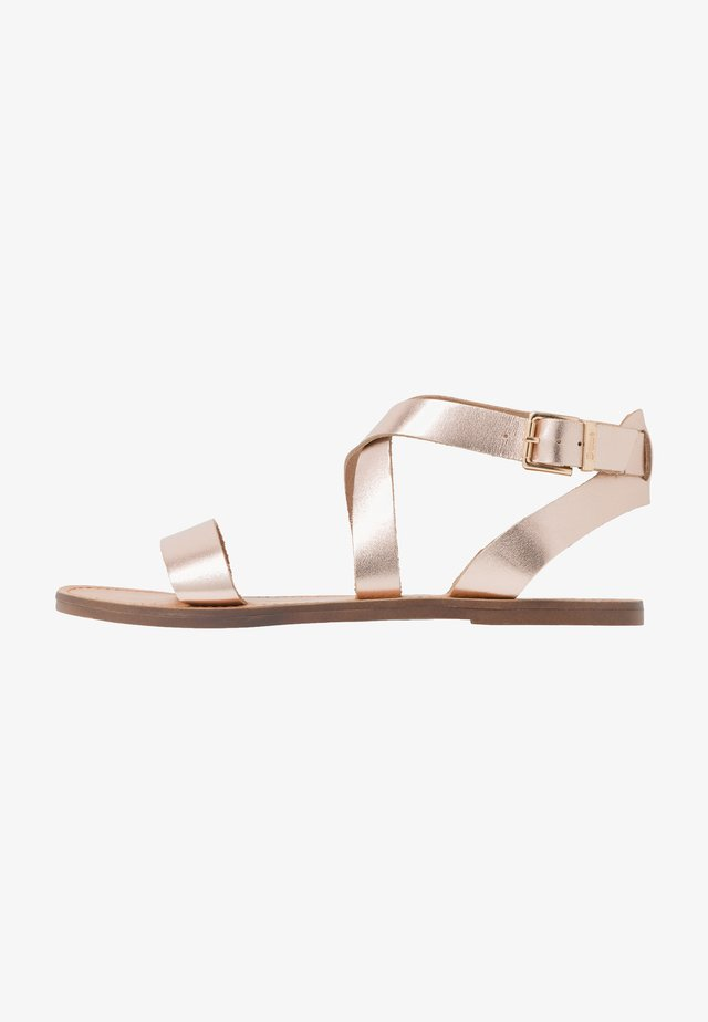 LEELAH - Sandalen - rose gold