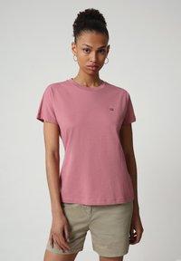 Napapijri - SALIS - Basic T-shirt - mesa rose - 0