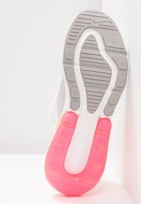 Nike Sportswear - AIR MAX 270 - Tenisky - white/summit white/metallic silver/laser orange/hyper pink - 6