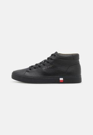 CORPORATE MODERN - Vysoké tenisky - black