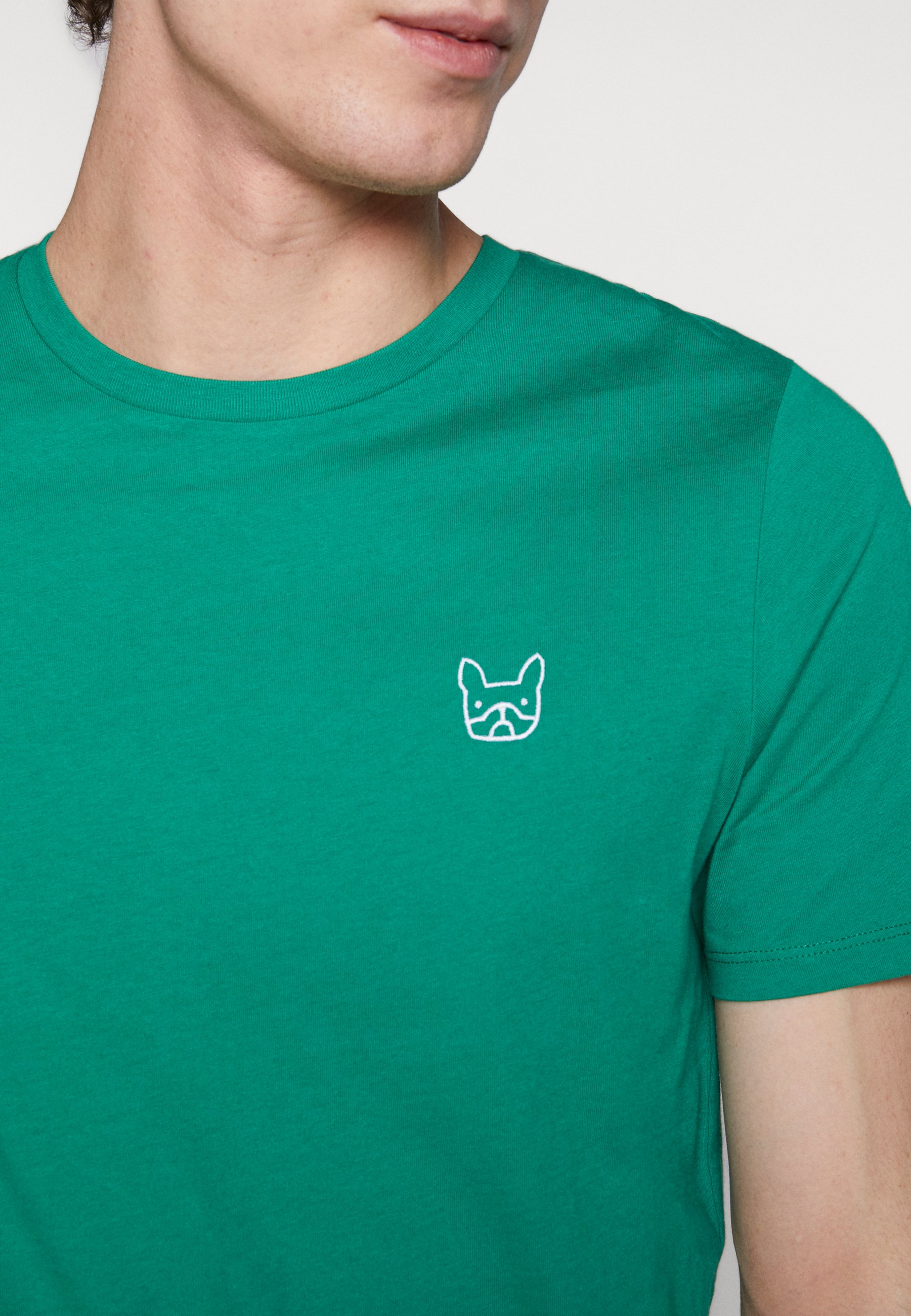 Jack & Jones JJEDENIM LOGO TEE O-NECK - Basic T-shirt - verdant green/white 25J4c