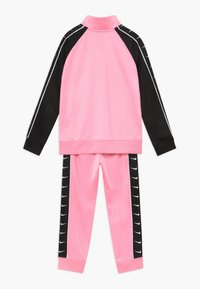 Nike Sportswear - TRICOT TAPING SET - Trainingspak - pink - 1