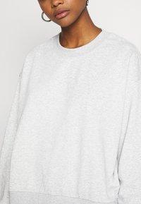 Weekday - HUGE CROPPED - Sweatshirt - grey melange - 5