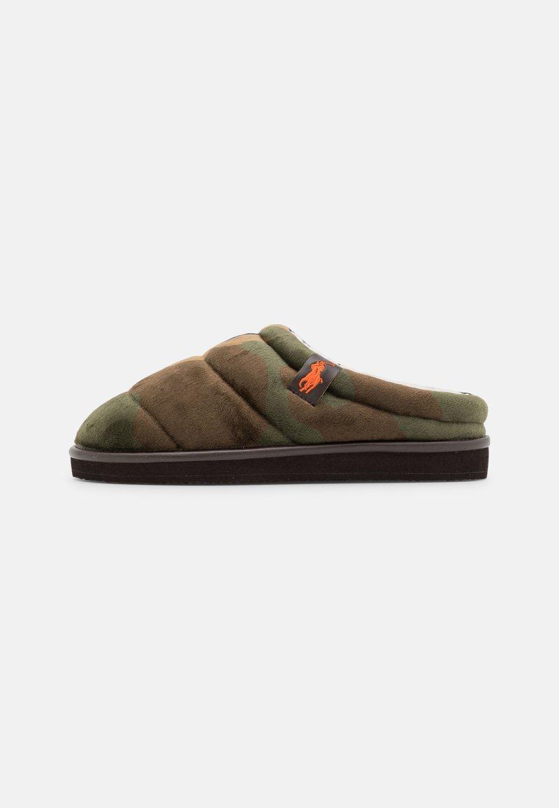 Polo Ralph Lauren - SUTTON SCUFF - Slippers - olive/orange