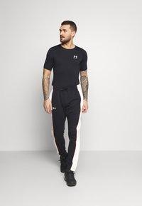 Under Armour - COMP - Print T-shirt - black - 1