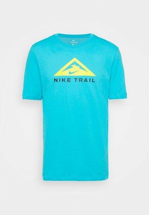 TEE TRAIL - Print T-shirt - chlorine blue