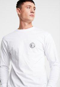 Vans - OFF THE WALL - Langarmshirt - white - 5