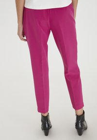 ICHI - IXLEXI - Trousers - fuchsia red - 2