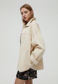 PULL&BEAR - Button-down blouse - mottled beige - 3