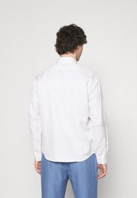 Frescobol Carioca - MARCOS SAFARI OVERSHIRT - Summer jacket - white - 2