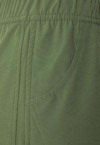 Roxy - Swimming shorts - vineyard green - 5