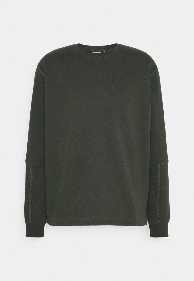 SAVE THEM - Sweater - scarab green