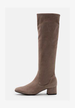 TOMKE - Boots - sand