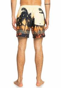 Quiksilver - Swimming shorts - orange pop - 2