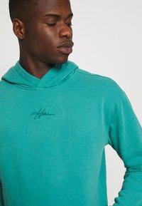 Hollister Co. - SOLID SCRIPT - Sweatshirt - green blue - 4