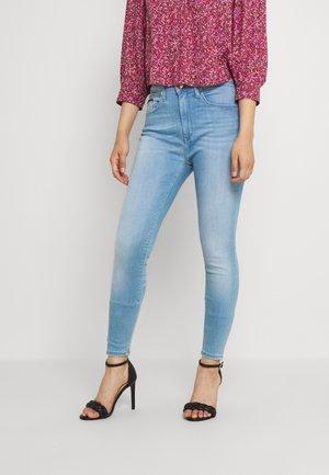 SHAPE SKNY LBDYSS - Jeans Skinny Fit - denim light