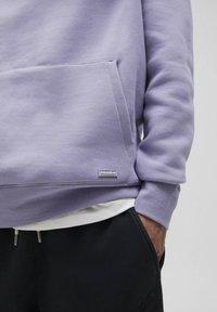 PULL&BEAR - Luvtröja - purple - 7