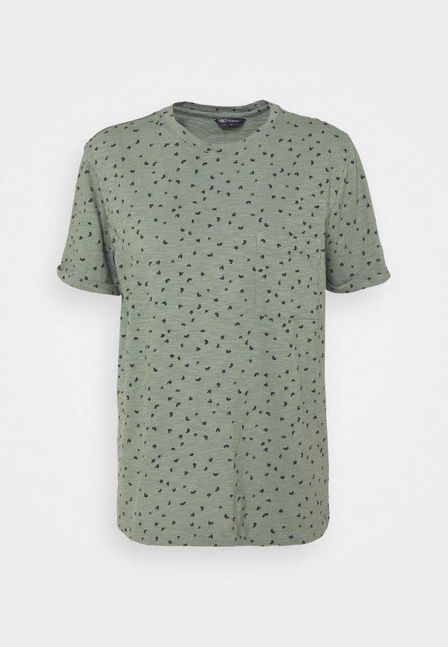 POCKET PRINT - T-shirt print - green