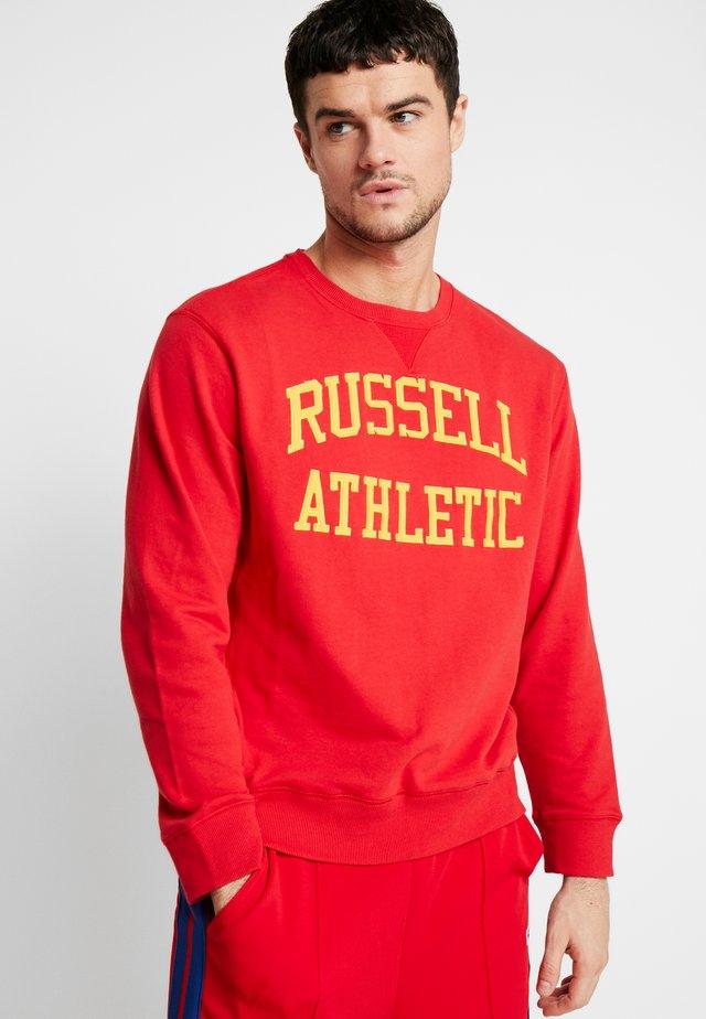 ICONIC TACKLE CREWNECK - Sweatshirt - true red