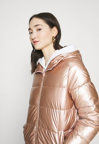 ONLY - ONLSAVANNAH METALLIC PUFFER - Winter jacket - frosted almond - 3