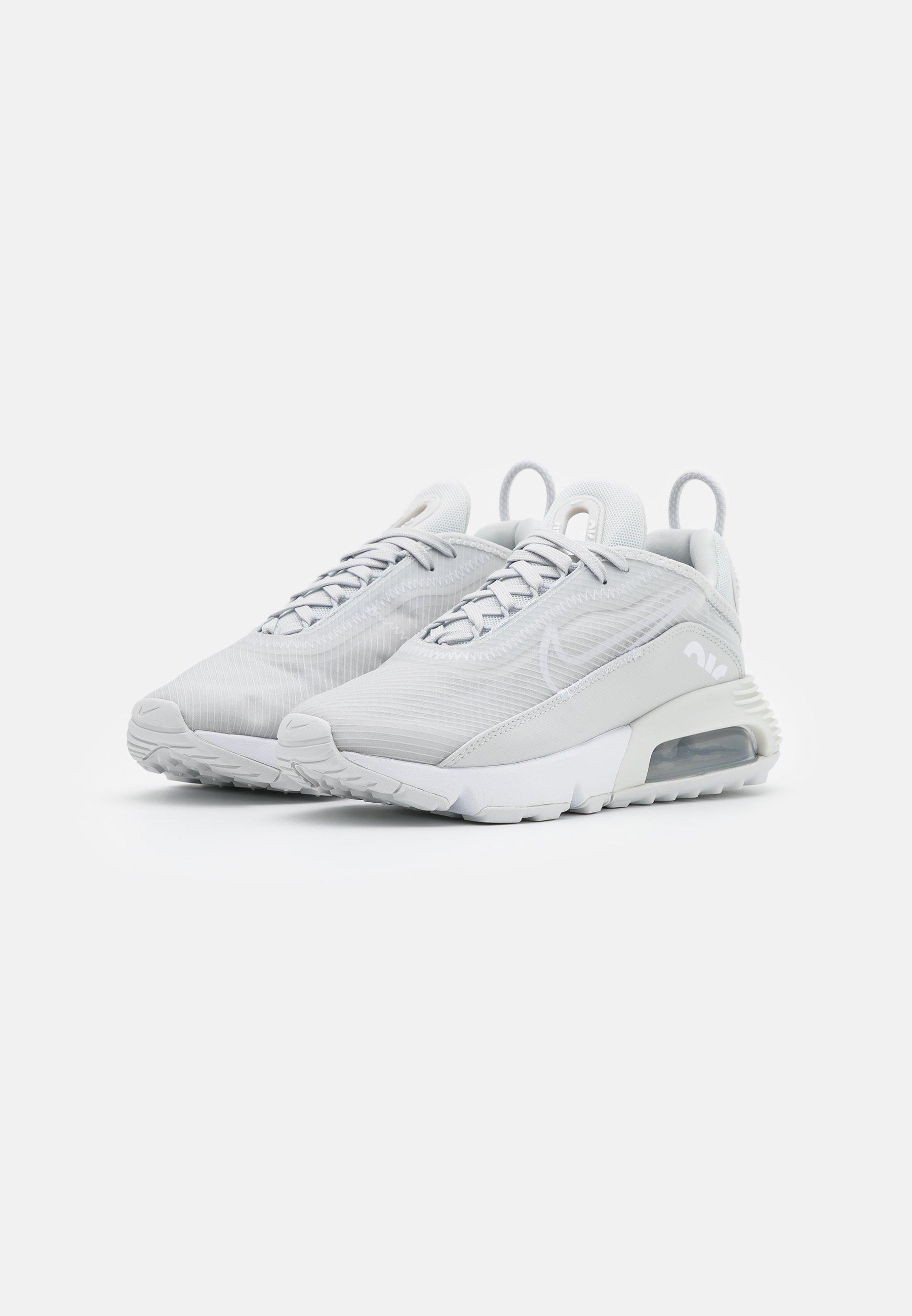 Nike Sportswear AIR MAX 2090 Sneaker low photon dust/white/metallic silver/grau
