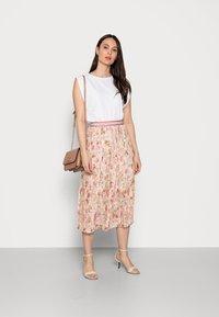 Rich & Royal - PLISSEE SKIRT - Pleated skirt - white stone - 1