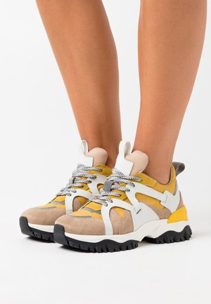 SLFAMY TRAINER - Trainers - tigers eye