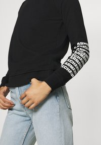 Armani Exchange - Sweatshirt - black - 4