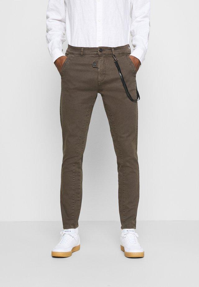 JIM - Pantalones - brown