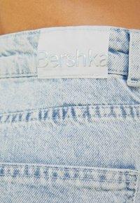 Bershka - WIDE LEG - Flared Jeans - light blue - 4