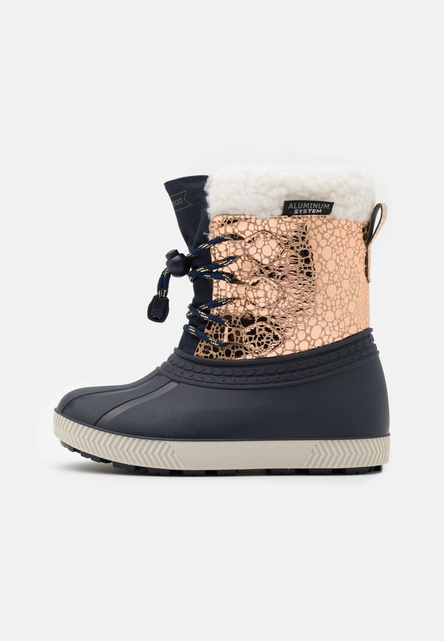 Winter boots - rose gold