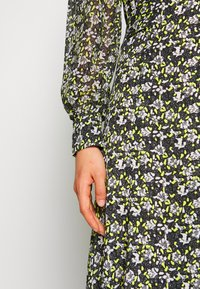 Topshop - STEEPLE FRONT MIDI - Day dress - yellow - 5