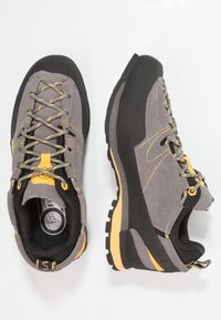 La Sportiva - BOULDER X - Climbing shoes - grey/yellow - 1