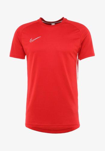 DRY ACADEMY - Print T-shirt - university red/white