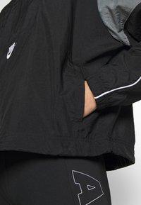 Nike Sportswear - LIGHTWEIGHT JACKET - Lett jakke - black/smoke grey/white/(white) - 5