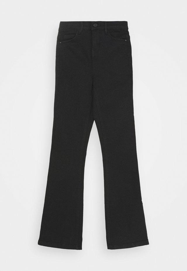 NLFPIL DNMTECILLE BOOT PANT - Flared jeans - black denim