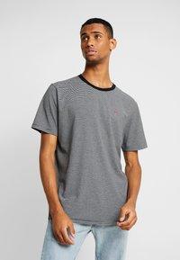 Scotch & Soda - CLASSIC CREWNECK TEE - Print T-shirt - grey - 0