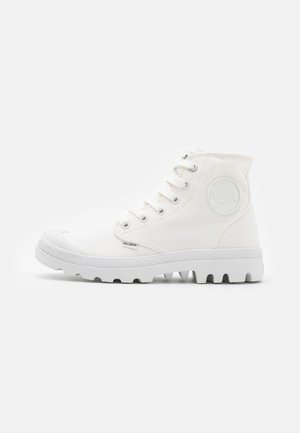 VEGAN MONOCHROME - Höga sneakers - star white