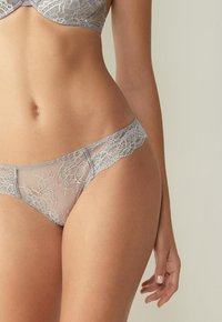 Intimissimi - BRASIL SLIP PRETTY SOMETHING - Thong - grau - grey/talc white - 0